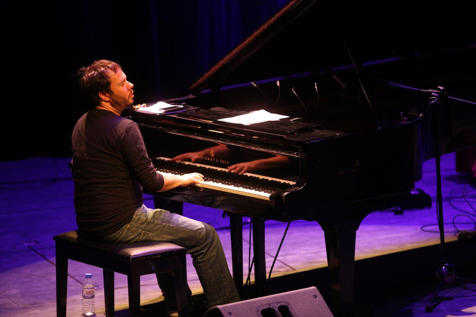Φωτογραφία του πιανίστα Σπύρου Μάνεση